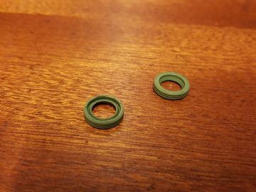 Carburettor Carb Main Throttle Shaft Seals Pair